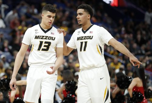 Missouri loses star Porter to season-ending knee injury