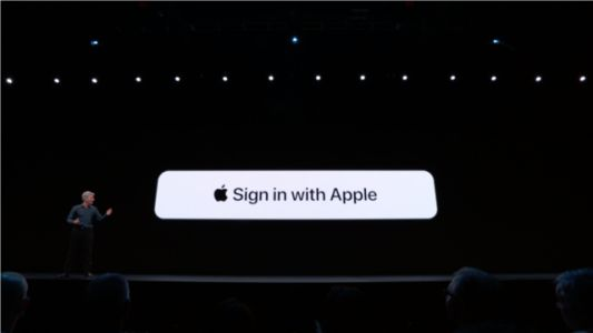 An email app developer that's been at odds with Apple says the iPhone maker stonewalled its app update for weeks