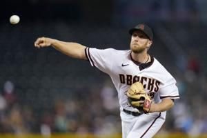 Kelly helps D-backs end 17-game skid, beat Brewers 5-1