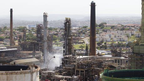 'Massive FIREBALL fills skies over S. Africa's Durban following explosion at oil refinery, seven injured