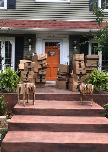 150 Amazon packages arrived at a woman's home by mistake. Here's what she did with them