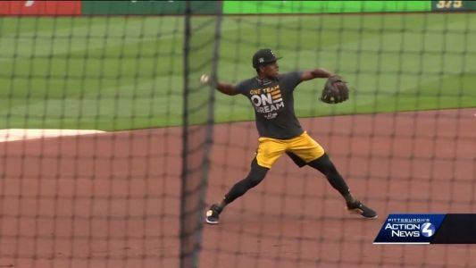 Pirates third baseman Ke'Bryan Hayes named NL Rookie of the Month for September