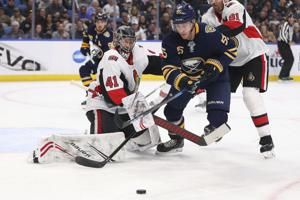 Senators snap 7-game road skid with 5-2 win over Sabres