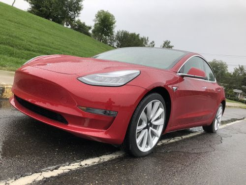 Tesla quietly stopped selling its full self-driving feature as an option in new cars because it was causing 'too much confusion'
