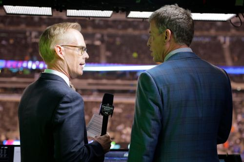 Joe Buck dishes on chemistry in booth with Troy Aikman