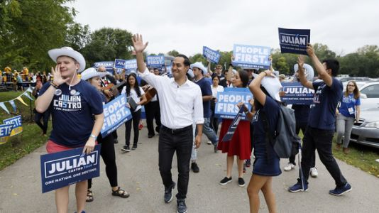 As Iowa Grows More Diverse, Democratic Candidates Are Taking Notice