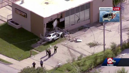 Fatality reported after car crashes into Kansas City building