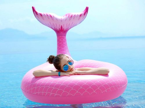 14 wild floats that are a must-have for your summer pool parties