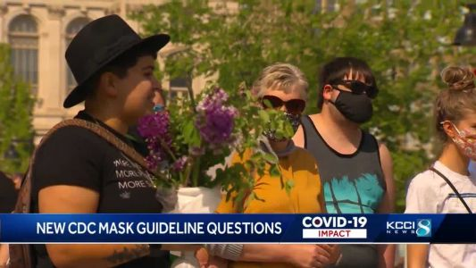 Iowa health experts advise Iowans to stay mindful with new mask guidelines