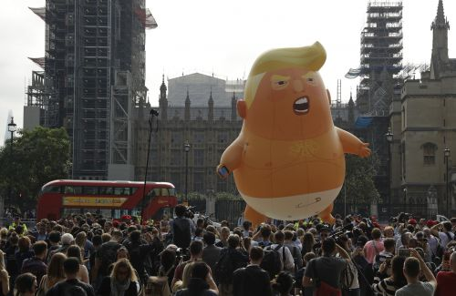 'Dump Trump': London Protests Tell U.S. President to Go Home