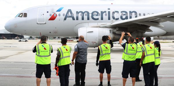 American Airlines to begin furloughs for thousands of workers on October 1, but says it will reverse layoffs if Congress reaches deal on COVID-19 relief