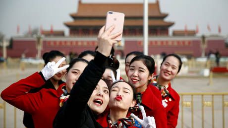 China's smartphone shipments to rise in 2020 amid push to 5G