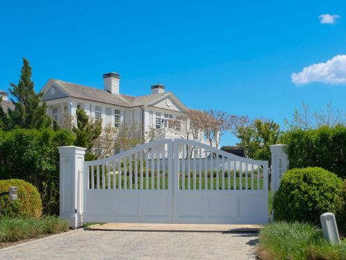 Now more than ever, a tale of 2 Hamptons
