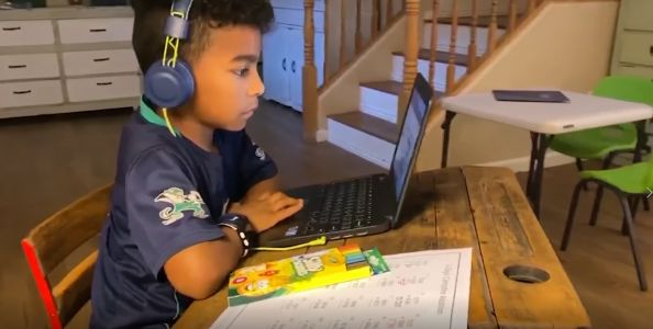 How to balance your kids' screen time and learning