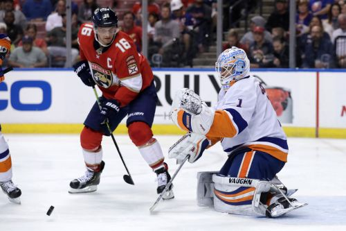 Thomas Greiss, Islanders finish off Panthers sweep