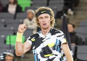 Tsitsipas to play Rublev in Hamburg Open final
