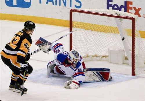Penguins keep pushing after explosion of goals in 1st period, pull away with 5-1 win vs. Rangers