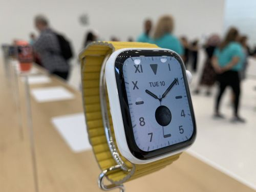 Replacing your old Apple Watch with a Series 5? Here's how to get ready!
