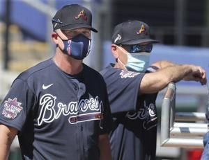 Braves extend manager Brian Snitker through at least 2023