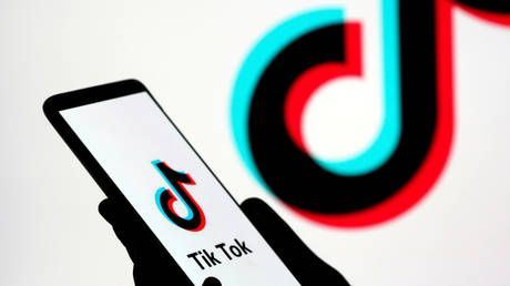 'Stop politicizing economy': Beijing blasts US for threatening to ban TikTok & other Chinese apps
