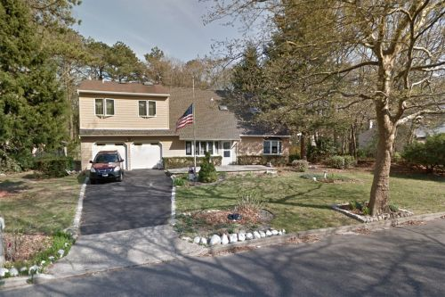 Woman found outside Long Island home with fatal stab wounds: cops