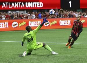 Atlanta United strikes late in 2-0 victory over DC United