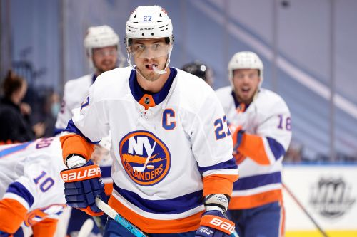 Anders Lee stuck with Islanders disappointment waiting for new season