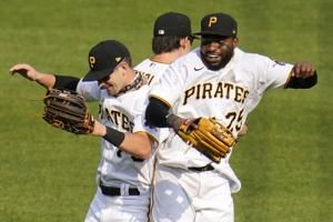 Kuhl goes 7 sharp innings, Pirates beat slumping Cubs 7-0