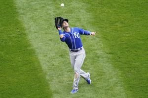 Taylor helps Royals top White Sox 4-3 in 10 innings