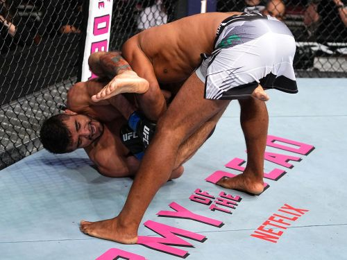 Andre Muniz breaks Ronaldo 'Jacare' Souza's arm to score win by submission at UFC 262