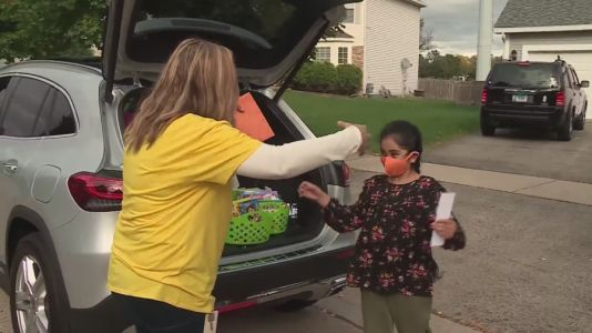 Suburban teacher's 'I Miss You Mobile' brings supplies and air hugs to students stuck at home