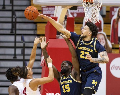 No. 3 Michigan continues to roll with 73-57 win at Indiana