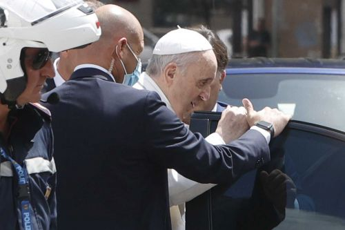 10 days after undergoing colon surgery, Pope Francis returns to the Vatican