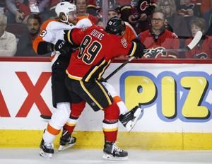 Gaudreau's overtime goal rallies Flames past Flyers 6-5
