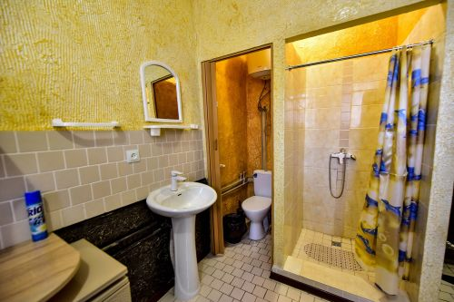 Ukraine offering prisoners upgrades to luxury VIP cells - with a price