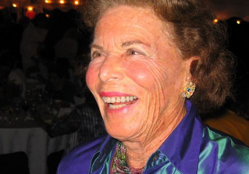 Successful Pittsburgh jewelry designer Ruth Frank dies at 99