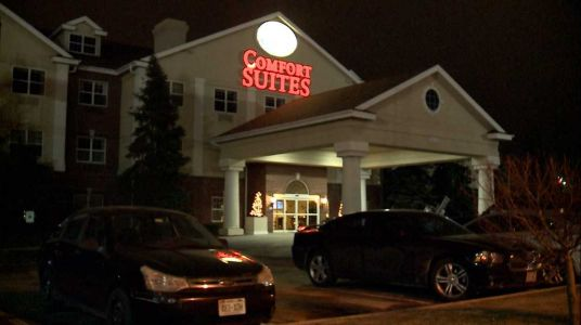 Hotel policy bans locals from staying at Comfort Suites in Milwaukee, airport locations