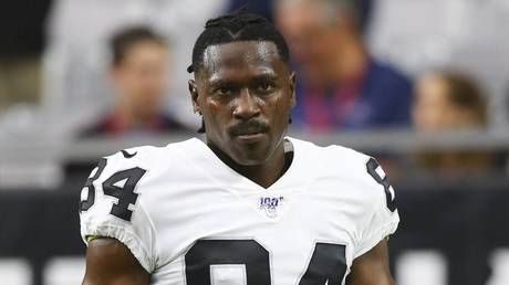 Antonio Brown to appear before Florida judge in burglary with battery case