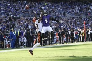 Ravens' 5-game winning streak ends amid flurry of mistakes