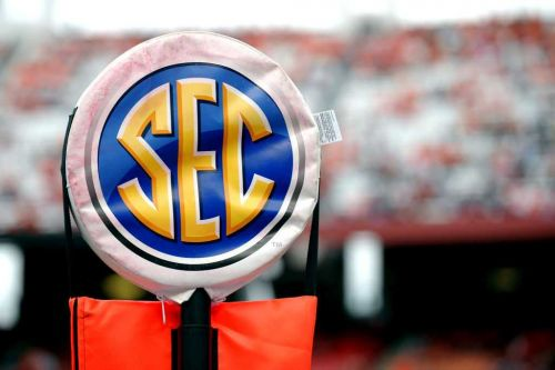 Reports: Texas, Oklahoma expected to declare intent to leave Big 12 for SEC in '24-48 hours'