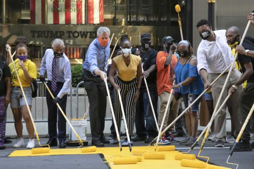 NYC mayor helps paint 'Black Lives Matter' outside Trump Tower