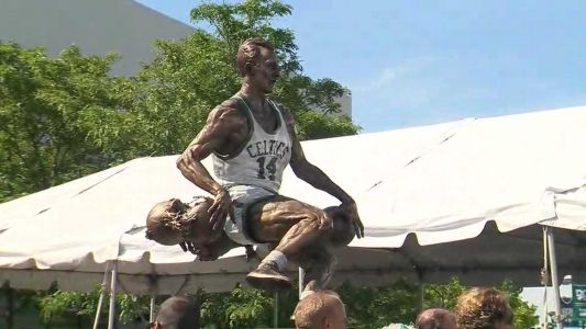 Bob Cousy statue unveiled in Worcester