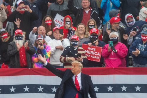 Joy of a Trump rally and other commentary