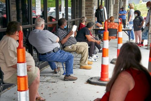 Number of laid-off workers seeking jobless aid stuck at 1.3M
