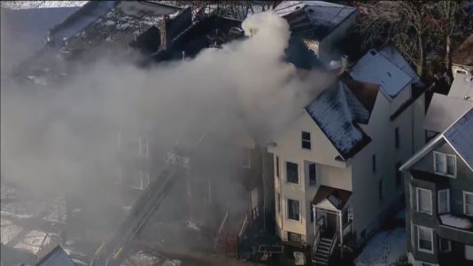 Fire inside West Side residential building leaves 2 dead, 1 injured after jumping to escape flames