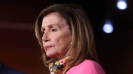 Pelosi prays for needy as Dems rip Trump Covid-19 orders as 'big show' that 'won't do the job,' ignoring futile shows in Congress