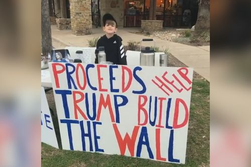 Boy sells hot chocolate to fund border wall