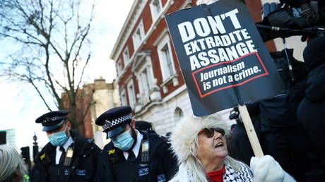 With time running out, pressure grows on Trump to pardon Assange amid reports aides persuaded him not to