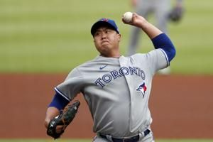 Ryu, 'pen team on 2-hitter, Blue Jays beat depleted Braves
