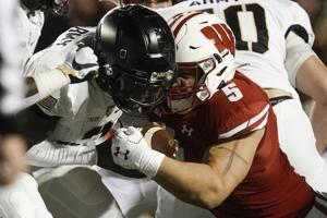 Aggressive approach paying off for Wisconsin LB Leo Chenal